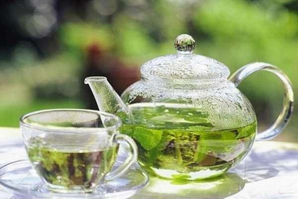 Уже давно и окончательно доказано, что зелёный чай является ценнейшим источником антиоксидантов, предотвращающих разрушение клеток и укрепляющих здоровье