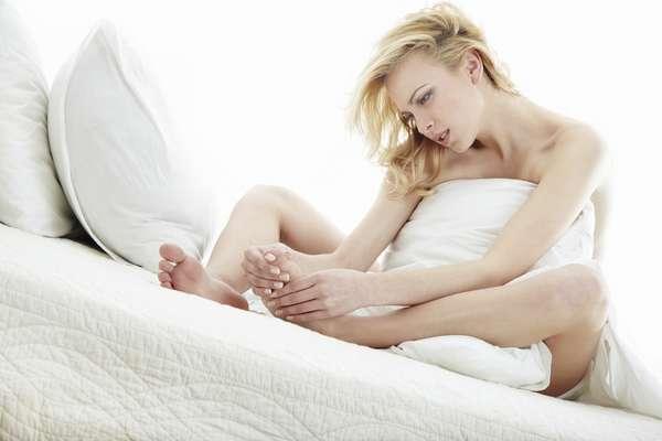 Если у вас часто сводит ноги по ночам, то следует сообщить это вашему врачу