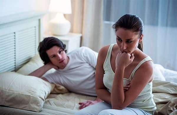 Этот вопрос достаточно актуален, так как в период до наступления месячных и во время него женщина может чувствовать сильное сексуальное влечение