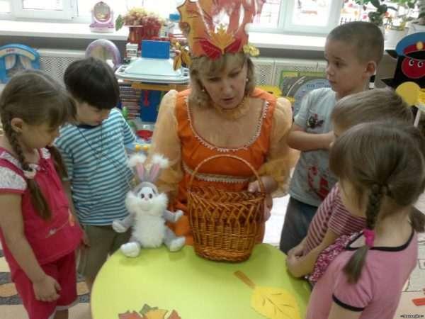 К детям на занятие пришла волшебница