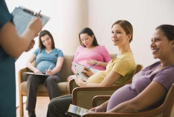 Существуют специальные курсы, где можно подготовится к родам за небольшое количество времени