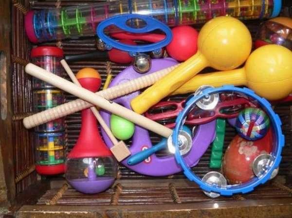 Детские музыкальные инструменты в коробке
