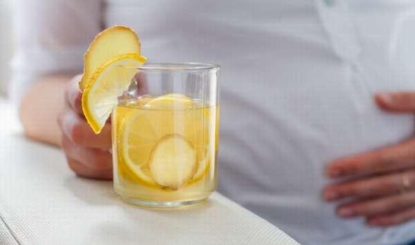 Лимон является очень полезным, поэтому его смело можно кушать во время беременности