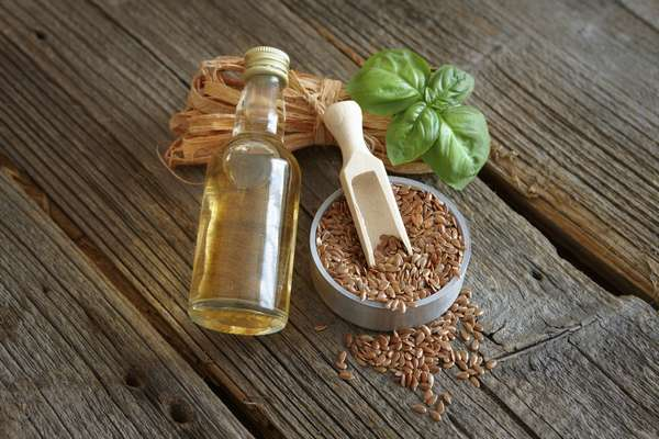 Льняное масло можно приобрести на любом продуктовом рынке