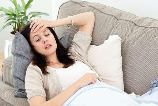 Знобить во время беременности может из-за пониженного уровня сахара в крови