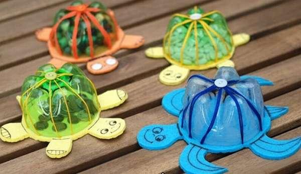 черепашки из пластиковых бутылок