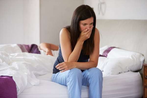 Облегчить токсикоз на первом триместре беременности можно, если исключить из рациона жирное, острое и жареное
