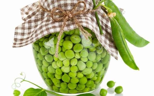 Зеленый горошек полезен для организма, поскольку он является экологичным продуктом с множеством витаминов и микроэлементов