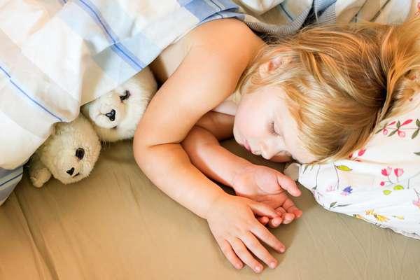Почему ребенок часто мочится?