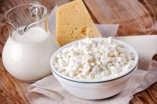 Больше всего кальция содержится в молочных и кисломолочных продуктах