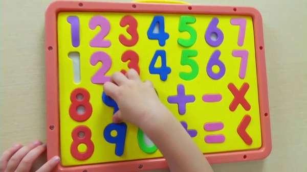 Как научить ребенка считать цифры