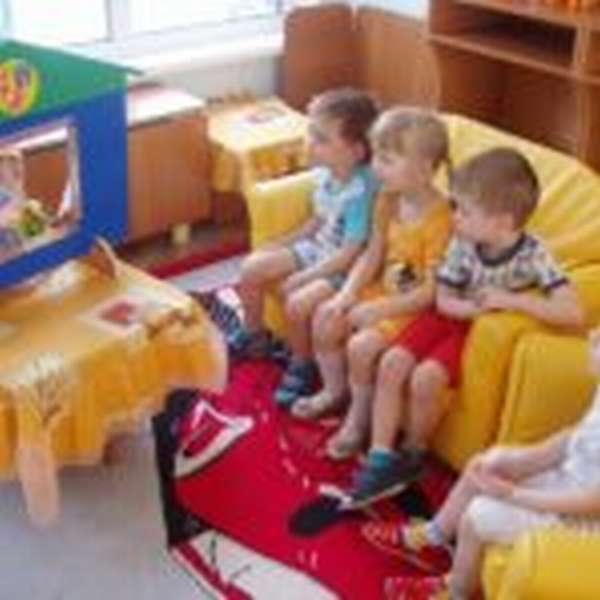 Малыши сами разыгрывают коротенькие этюды