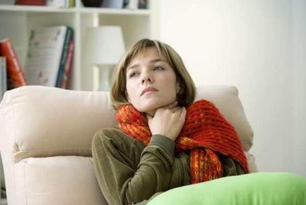 Чтобы заразиться скарлатиной, необязательно контактировать с больным. Носителем стрептококка может стать и вполне здоровый человек