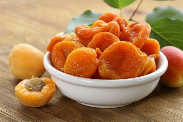 В кураге содержится множество микроэлементов и витаминов, требуемых для нормального развития плода