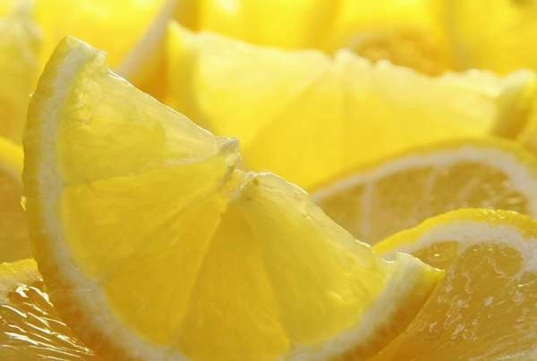 Организм беременной женщины может требовать лимон по причине нехватки витаминов или же снижение иммунной системы
