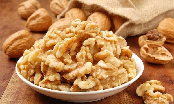 Если после употребления грецких орехов вы чувствуете дискомфорт в животе, то стоит прекратить их есть