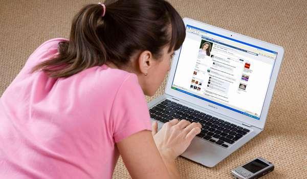 Не следует полностью запрещать детям пользоваться социальными сетями