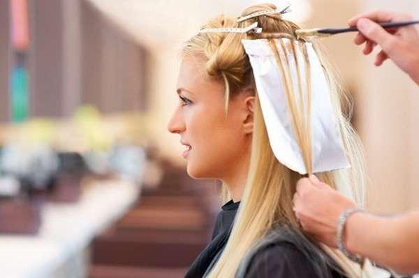 Если окрашивание волос не является неотложным делом, то стоит подождать до момента рождения ребенка
