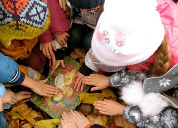 Дети нашли сундук с сокровищами