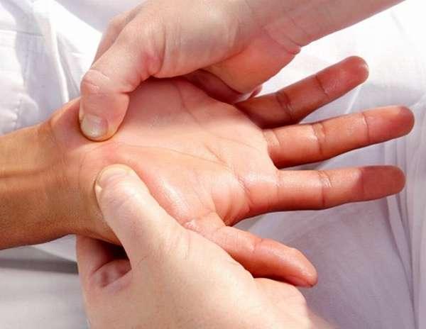 Если у вас часто немеют руки при беременности, то нужно сообщить это врачу, который ведет беременность