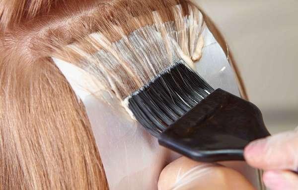 Перед покраской волос нужно убедиться, что в ее составе нет компонентов, на которые у вас аллергия