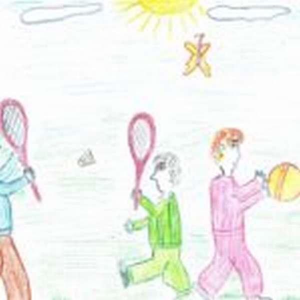 Детский рисунок: семья играет в мяч и бадминтон