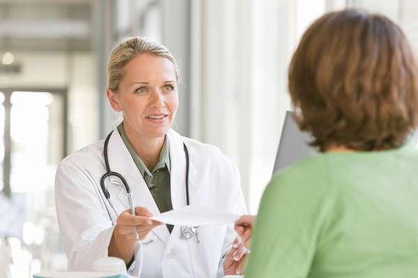 Восстановить гормональный фон молодой маме после родов помогут медикаментозные средства, которые должен назначить лечащий врач