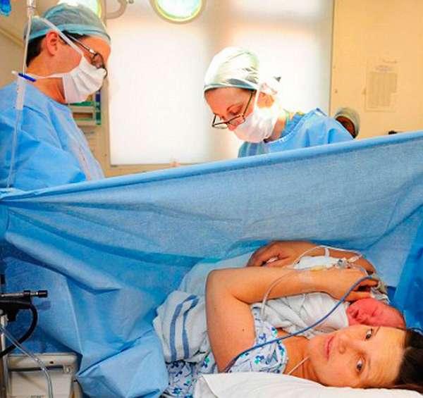 В отдельных случаях врачи могут назначать экстренное кесарево сечение