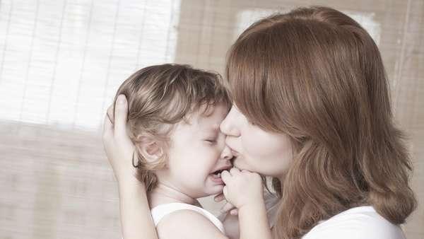 Почему ребенок может плакать? И как остановить плач ребенка