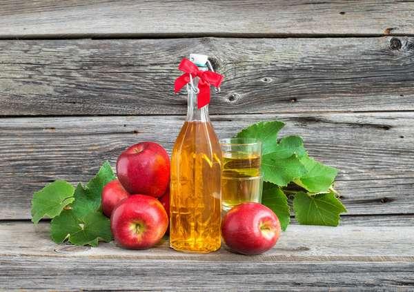 Во время беременности лучше употреблять яблочный уксус, поскольку он менее вредный