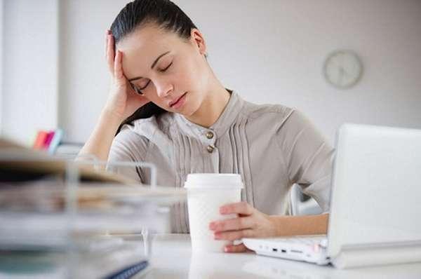 Причинами пониженного давления у женщин во время беременности могут быть обезвоживание, гормональные сбои или вирусы