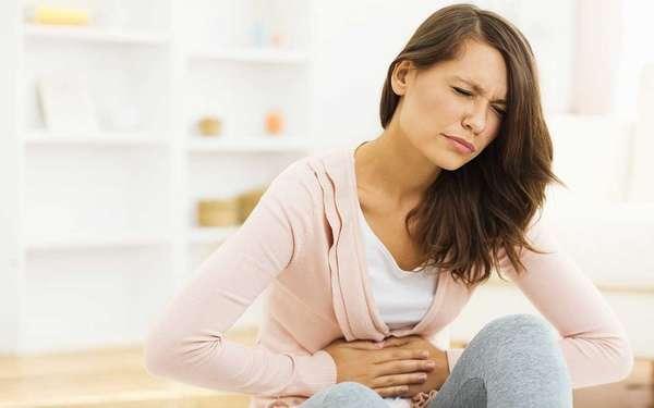 При беременности следует всячески избегать тяжелых физических нагрузок и стараться не травмироваться