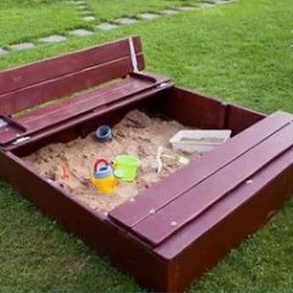 песочница с крышкой