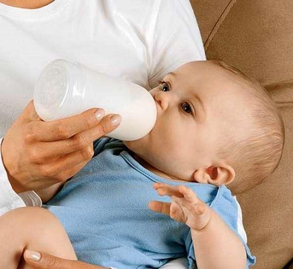 сколько ест ребенок в 1 месяц