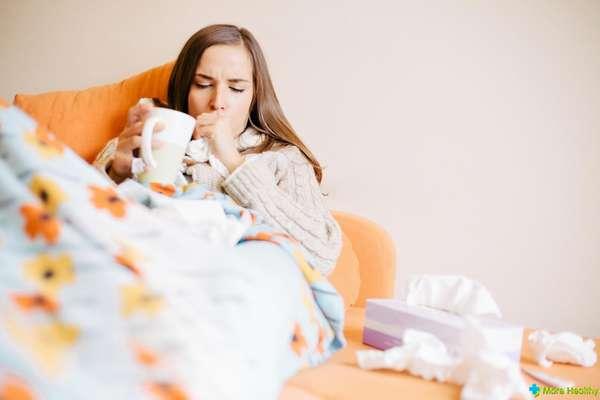 Во время 1 триместра врачи не рекомендуют употреблять Парацетамол, а советуют лечиться от заболеваний горячим чаем с медом