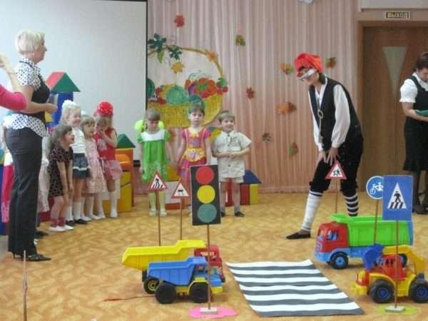 Развлечение по ПДД в детском саду