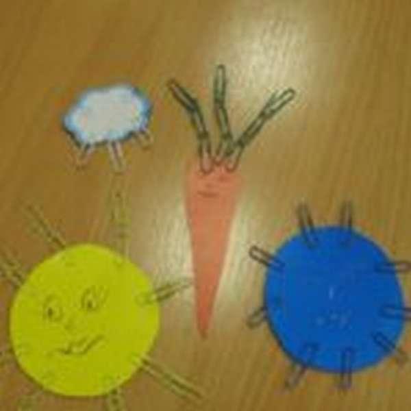 Морковка, облачко, жёлтый и синий круги из бумаги со скрепками