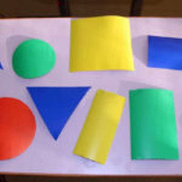 геометрические фигуры разных цветов