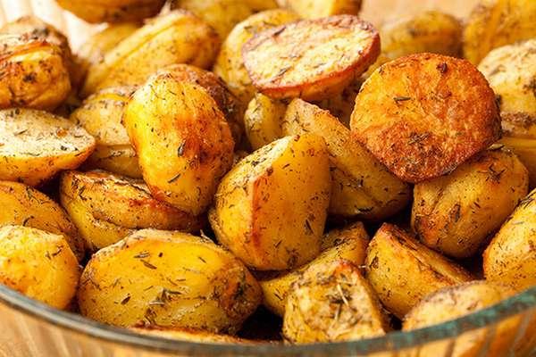 Что касается вреда картофеля при беременности, то это его чрезмерное употребление в тушеном и жареном виде