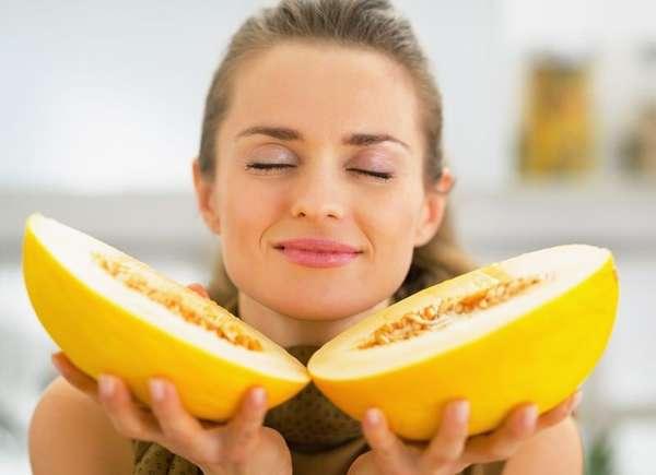 Употребление дыни в небольших количествах и отдельно от еды принесет пользу организму