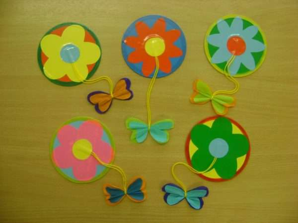 Цветы с бабочками из бумаги