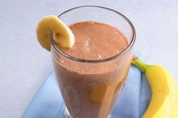 Банановый смузи с шоколадом