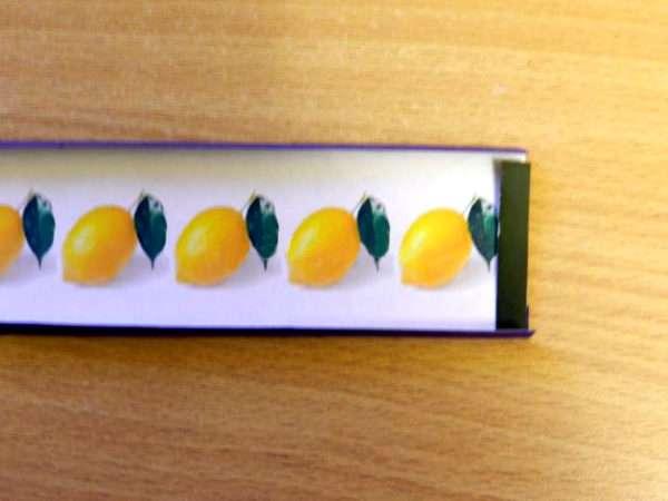 Короткая полоска с изображением лимонов