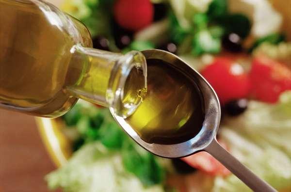 Для стимуляции родов можно выпить столовую ложку касторового масла