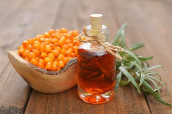 Облепиха содержит много полезных витаминов, включая витамины групп А, В, С и Е