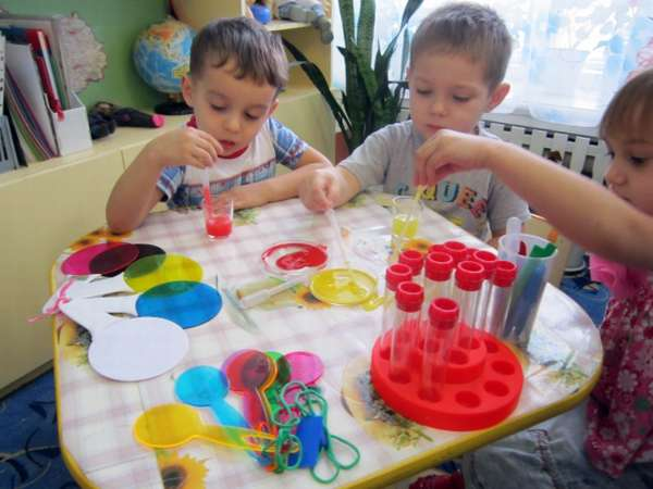 Эксперимент «Играем с красками»