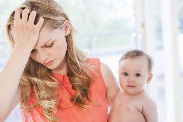 При появлении температуры после родов следует обратиться к врачу за консультацией